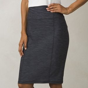 Prana Women's Vertex Skirt - Charcoal