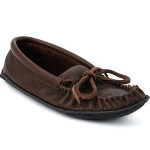 Manitobah Mukluks Men's Cottager Moccasins with Crepe Sole - Cocoa