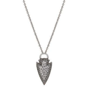 Wrangler Rock 47 Tribal Flair Arrowhead Necklace