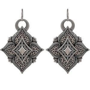 Wrangler Rock 47 Vintage Kitsch Diamond Shaped Flower Earrings