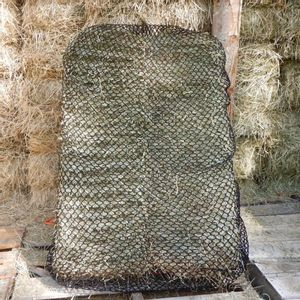 """Handy Hay Nets 3-String Bale Bag 1.5"""" Holes - Hardware Included"""