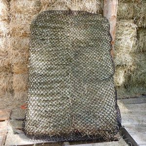 """Handy Hay Nets 3-String Bale Bag 1"""" Holes - Hardware Included"""
