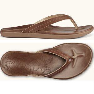Olukai Women's Honu Leather Sandals -Tan